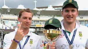 Dale Steyn and Graeme Smith