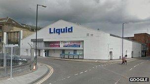 Liquid Dundee