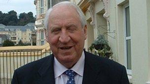 Dick Shenton