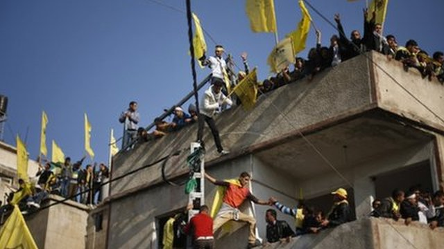 Palestinians in Gaza celebrate Fatah anniversary (04/01/13)