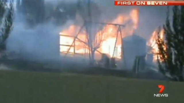 Home burns in Murdunna, Australia