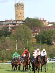 Racing at Warwick Racecourse