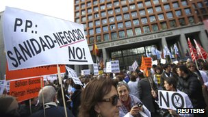 Spanish medics&#039; protest in Madrid, 20 Dec 12 