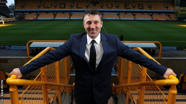 Wolves manager Dean Saunders