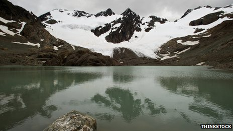 Vinciguerra glacier and lake