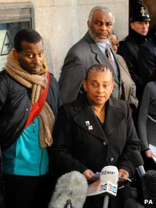 "Stephen Lawrences mother Doreen Lawrence alongside Stephen""s father Neville (right) and brother Stuart (left)"