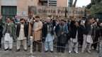 Pakistani Shia Muslims protest in Quetta on 11/1/13