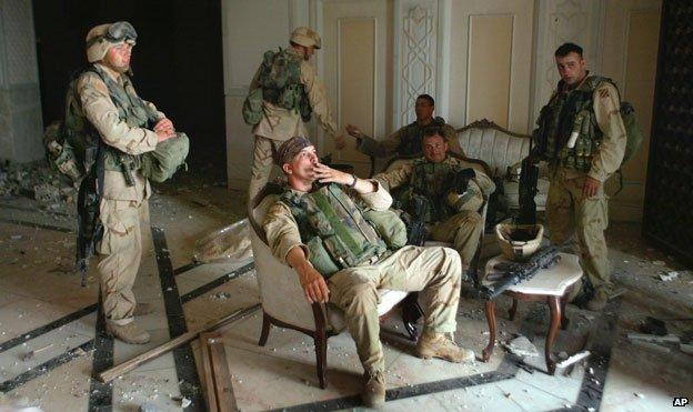 US soldiers in presidential palace, Baghdad