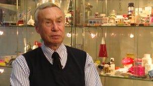 Dr John Ramsey,