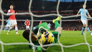 Dzeko misses his penalty against Arsenal