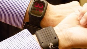 Perpetua heat digital watch