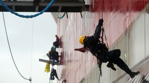 Greenpeace activists board the Prirazlomnaya