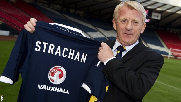 http://news.bbcimg.co.uk/media/images/65300000/jpg/_65300462_gordon_strachan_6.jpg