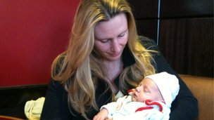 Vanessa Ten-Hoedt with four-week old Matthew
