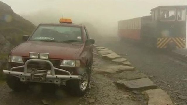 4x4 vehicle abandoned on Snowdon - image BBC copyright