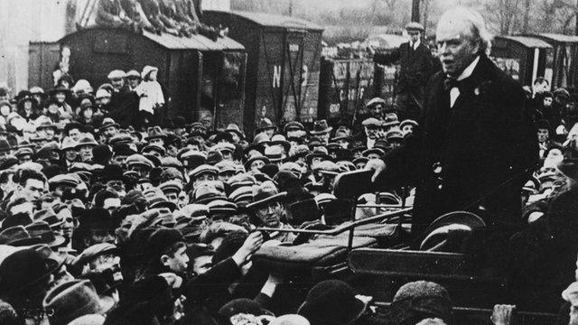 David Lloyd George speaking to a crowd at Lampeter, Ceredigion, in 1919