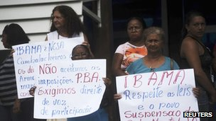 People protesting against the Belo Monte dam