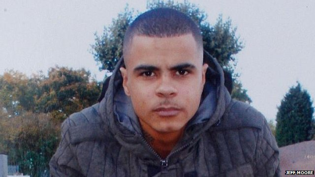 Police account of mark duggan s injuries differs from pathologist