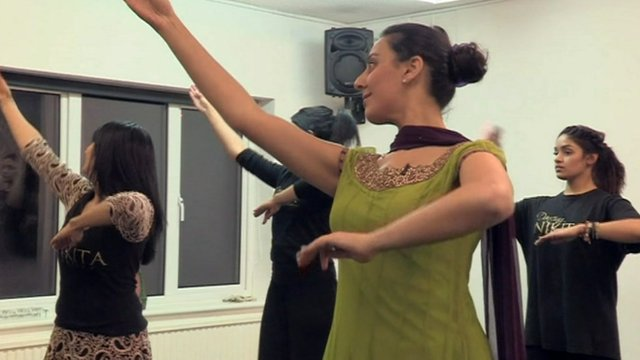 Kathak dancers