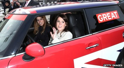 The princesses in their mini