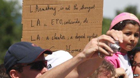 Placard denouncing Lance Armstrong, 2009