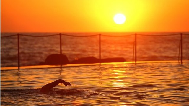 Sunrise swimmers take to Bronte Pool in Bronte Beach