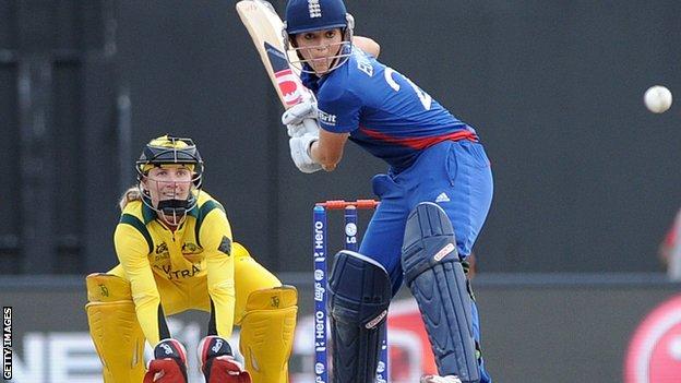 Australia captain Jodie Fields and England skipper Charlotte Edwards