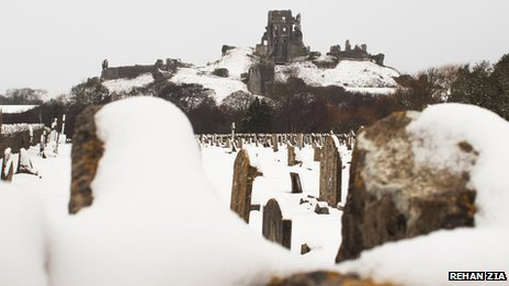 Snowy scene at Corfe Castle