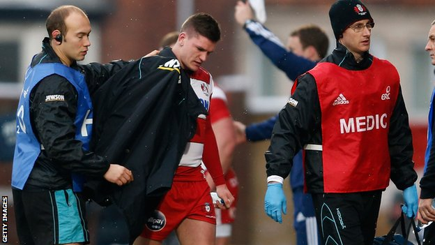 Freddie Burns limps off after knee injury