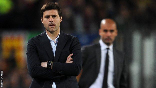 Southampton coach Mauricio Pochettino (left)
