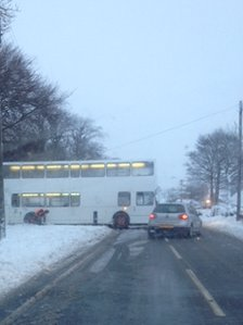 A bus got stuck in the snow in Satley near Tow Law