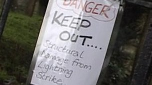 Lightning strike sign