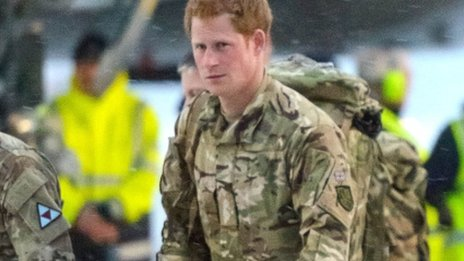 Prince Harry arrives with comrades at RAF Brize Norton