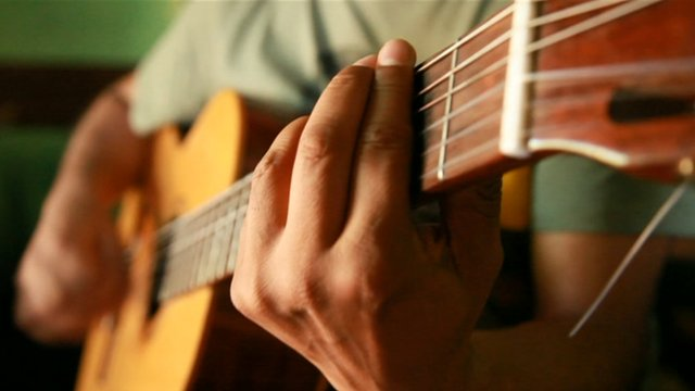 Salta music played on a guitar