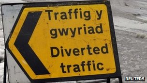 Diverted traffic sign