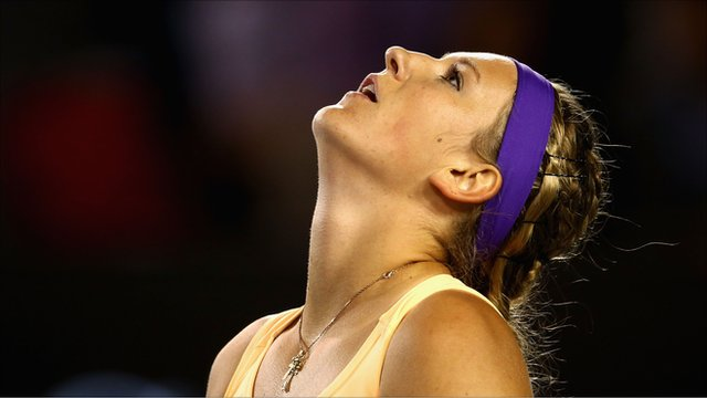 Australian Open: Victoria Azarenka beats Li Na to defend title