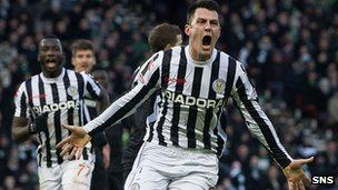 Steven Thompson celebrates his goal in the win against Celtic