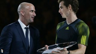 Andrew Agassi presents Andy Murray with his runners-up prize