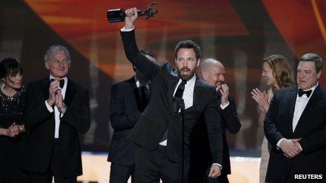 Ben Affleck with the cast of Argo at the Screen Actors Guild Awards