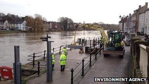 Flood barriers go up in Bewdley