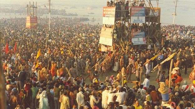 Crowds at the Kumbh Mela in 2001