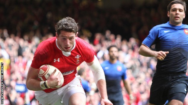 Alex Cuthbert scoring against France in 2012