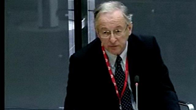 Syr Peter Simpson