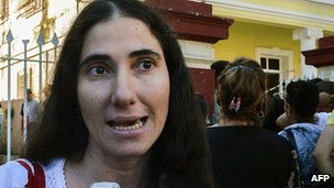 Yoani Sanchez outside a migration office in Havana. 14 January 2013