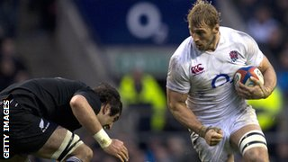 Chris Robshaw on the attack against the All Blacks