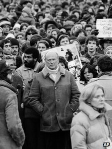 Mayor Ed Koch mourns John Lennon (14 December 1980)