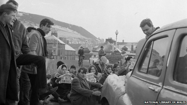 The Trefechan bridge protest in 1963