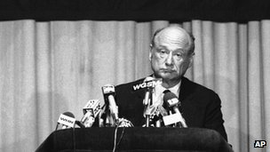 Koch concedes defeat in the 1982 gubernatorial primary (24 September 1982)