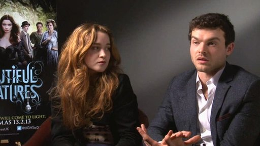 Alice Englert and Alden Ehrenreich 