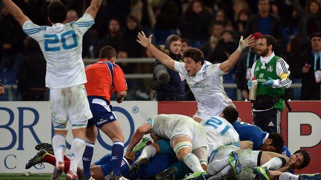 Italy 23-18 France